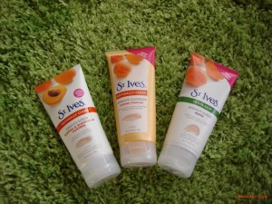 St Ives Facial Cleanser Series