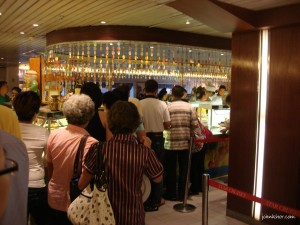 Waiting for makan at Star Cruise Pisces buffet
