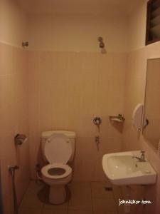 Laguna Redang Standard Room Toilet
