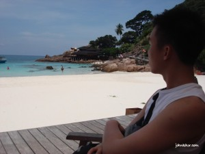 Enjoying the beautiful sea of Pulau Redang