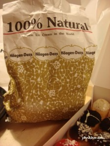 Haagan Dazs Dry Ice Packing