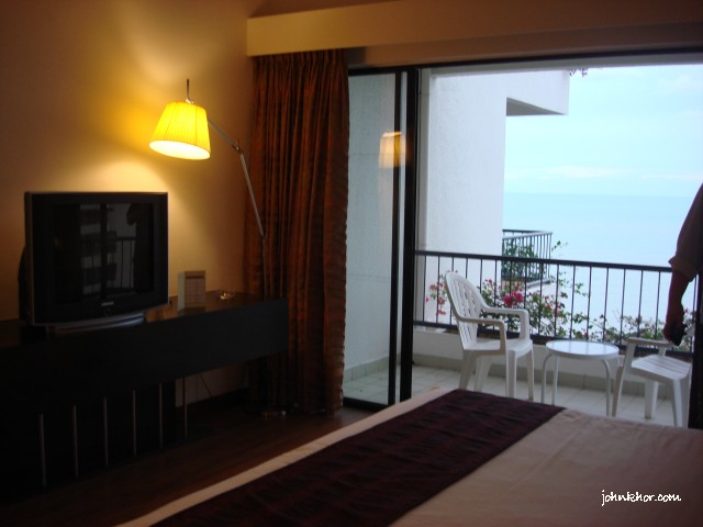 Another view of the hotel room @ Hydro Hotel, Batu Ferringhi, Penang
