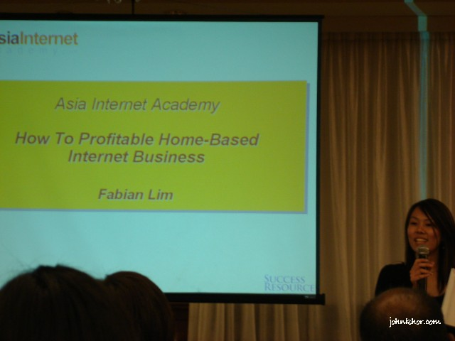 Success Resources MC introducing Fabian Lim's Internet Marketer from Singapore