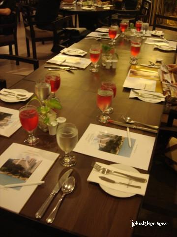 Penang food-bloggers @ Palms Restaurant, Hydro Hotel, Penang 33