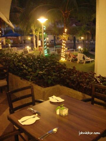 Penang food-bloggers @ Palms Restaurant, Hydro Hotel, Penang 36