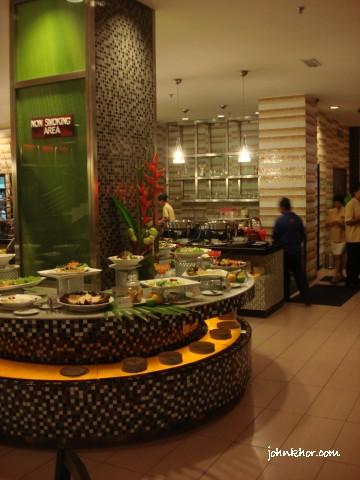 Penang food-bloggers @ Palms Restaurant, Hydro Hotel, Penang 37