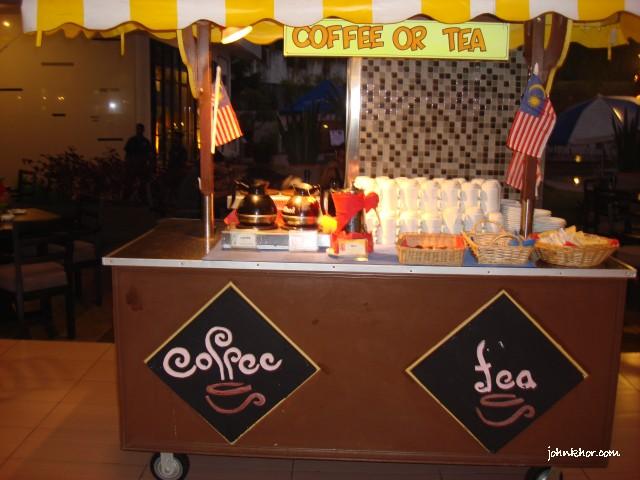 Penang food-bloggers @ Palms Restaurant, Hydro Hotel, Penang 40