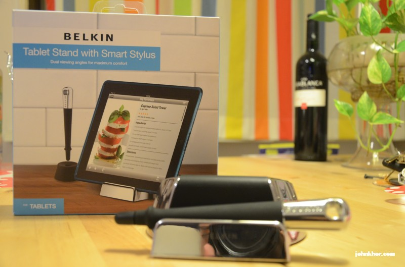 Belkin Tablet Stand & Smart Stylus 1
