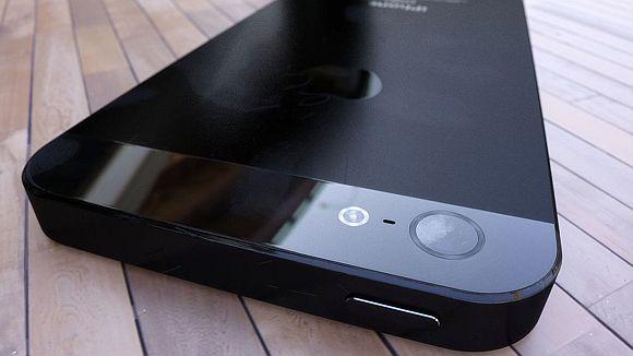 iPhone 5 Photo Render (9)
